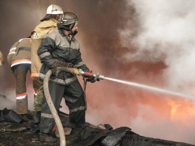 images novosti2 Proisshestviya pozhar2 Ночью в Астрахани горел сухогруз