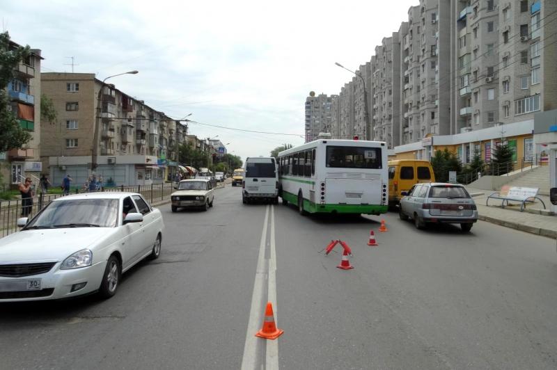 Avtobus i marshrutka-800x600
