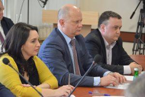 В Трусовском районе отремонтируют дороги и многоквартирные дома