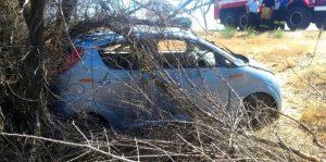 9 Под Астраханью иномарка влетела в дерево, есть пострадавший