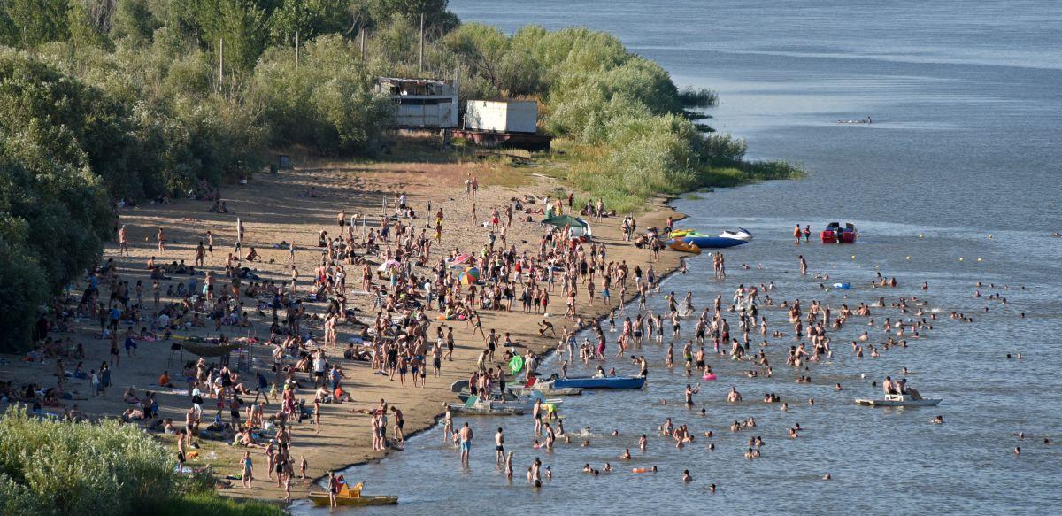 пляж в Астрахани