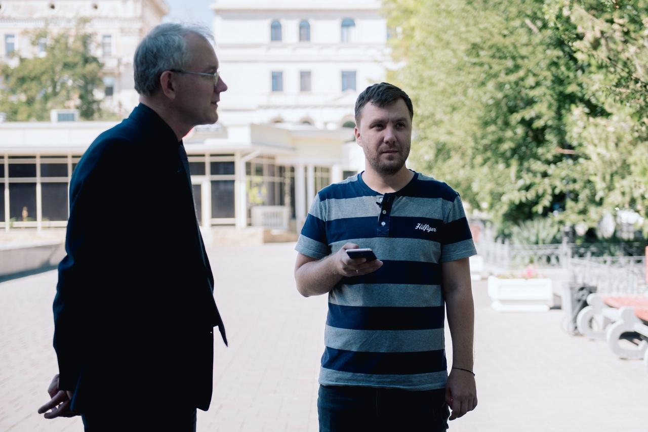 FsrNh6y lM Олег Шеин ответил на вопрос поддерживает ли он Путина