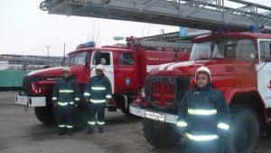 1 51 В МЧС рассказали о спасении матери с ребенком при пожаре на улице Тренёва