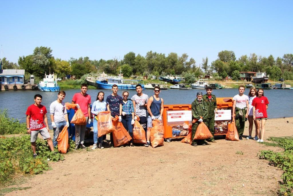 IMG 7693 В Астрахани с острова Пролетарский вывезли 15 кубов мусора