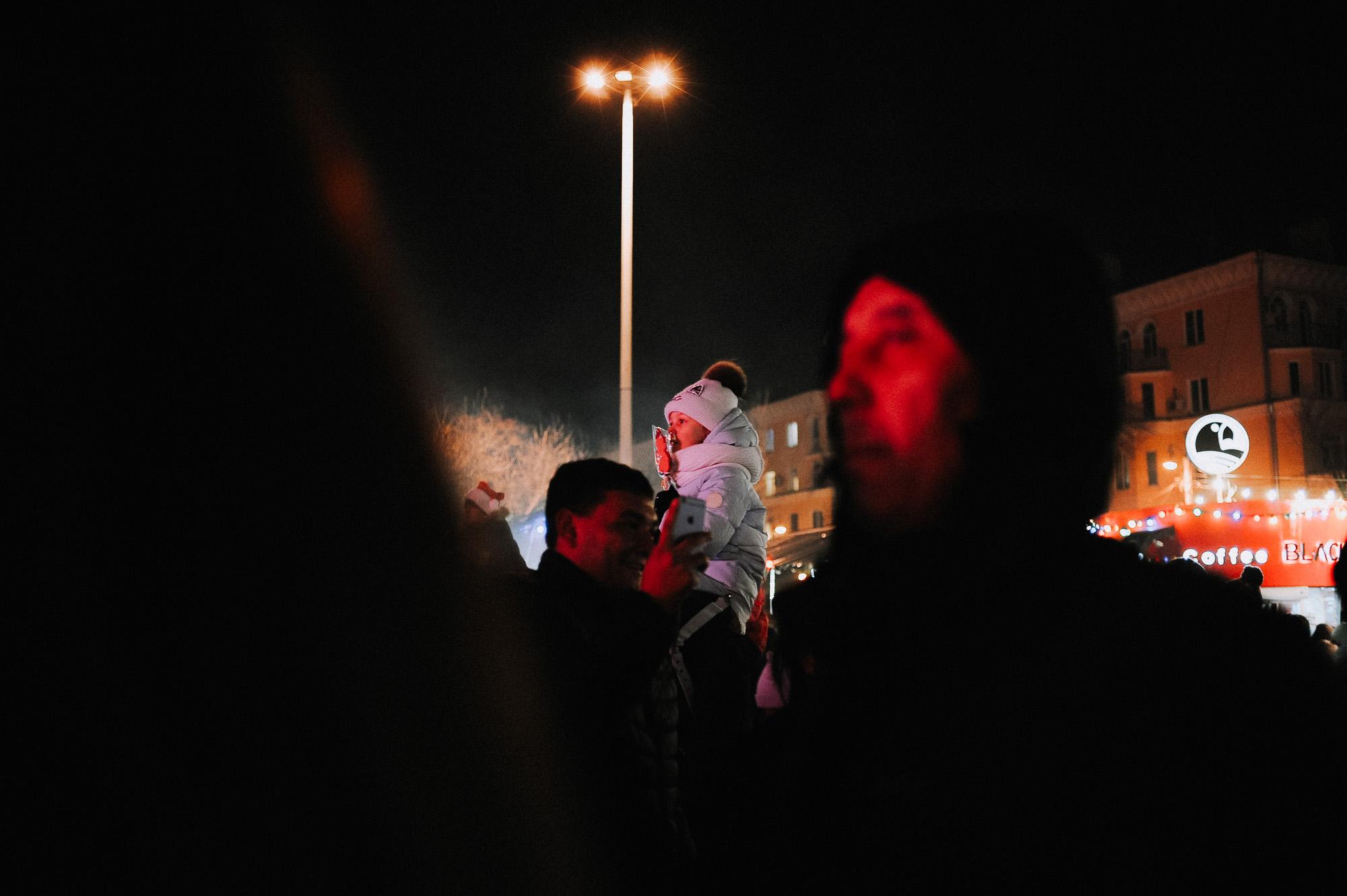 ZZZ 6839 В Астрахани на площади Ленина зажгли новогоднюю елку: кадры торжества
