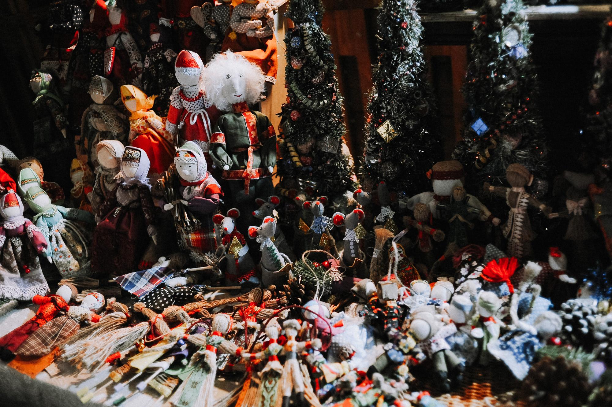 ZZZ 6858 В Астрахани на площади Ленина зажгли новогоднюю елку: кадры торжества