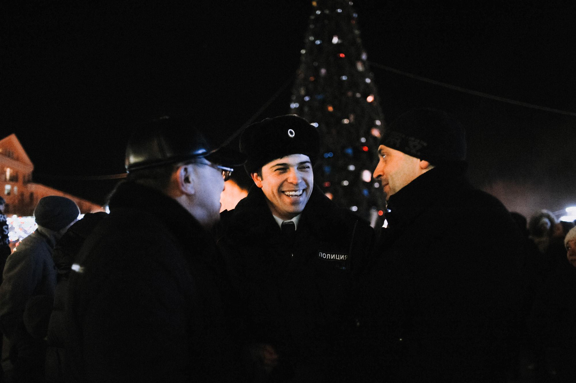 ZZZ 6902 В Астрахани на площади Ленина зажгли новогоднюю елку: кадры торжества