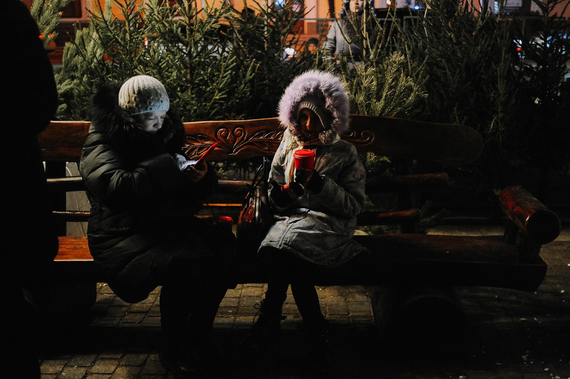 ZZZ 6912 В Астрахани на площади Ленина зажгли новогоднюю елку: кадры торжества