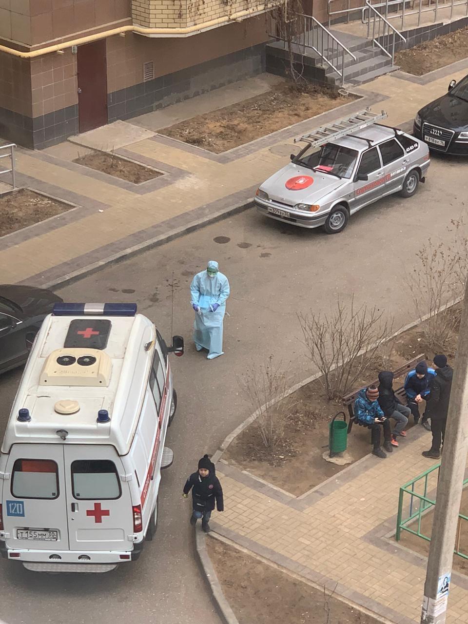 83560422 2481457985429085 5768683532897484800 o В Астрахани врач в спецодежде навёл панику среди горожан