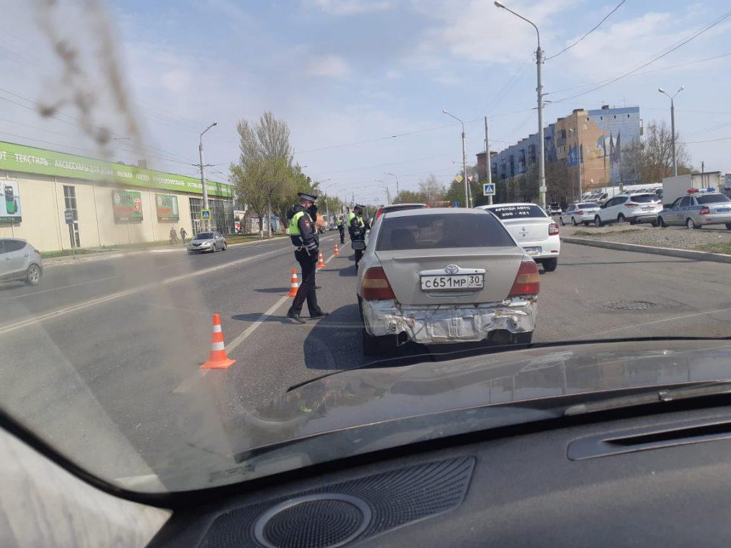 EFRnd4ciEaY В Астрахани полицейские проверяют водителей на наличие пропусков