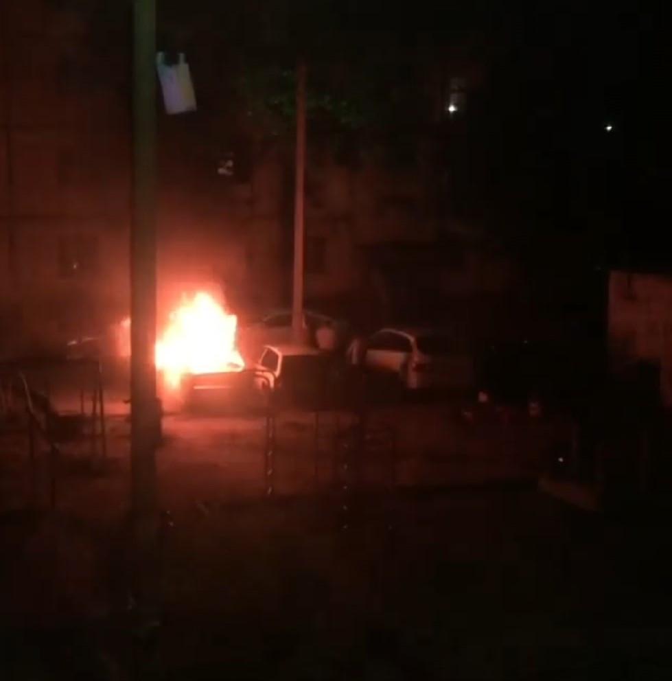XSSEUE3G 2A В Астрахани ночью загорелся автомобиль