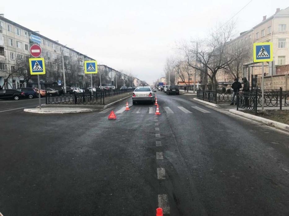 Б Хмельницкого В Астрахани под колесами автомобиля чуть не погибла 14-летняя девочка