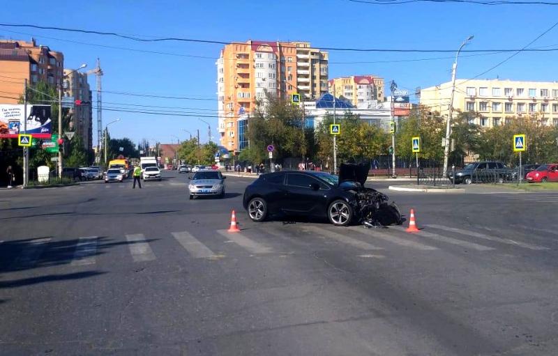 лада 1 В Астрахани в столкновении двух автомобилей один погибший и трое пострадавших