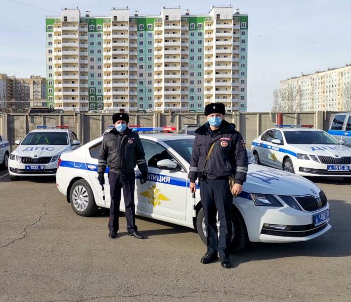 1 Астраханские полицейские помогли сельчанке с сильной болью в почках добраться до больницы