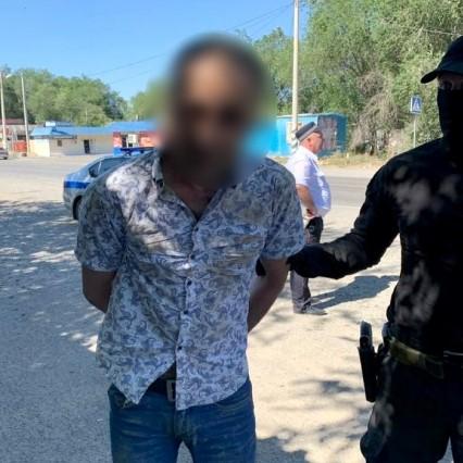 1 В Астрахани бойцы спецназа задержали иностранного наркодилера