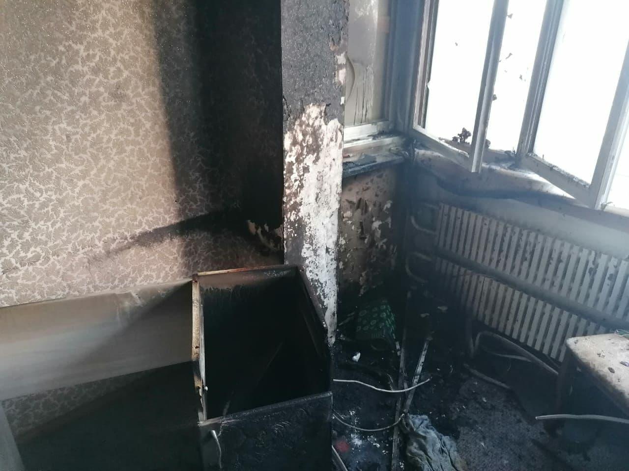квартира В Астрахани в горящей квартире пострадал 35-летний мужчина
