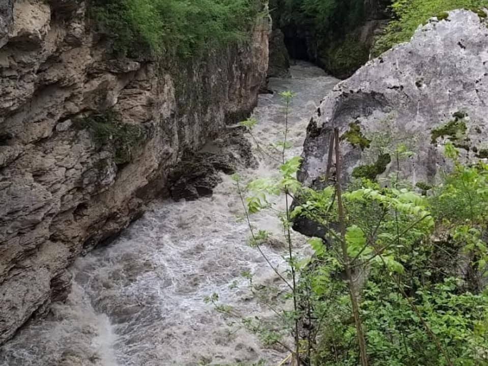 в Адыгее В Адыгее ищут унесенных течением реки астраханских туристов