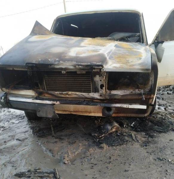 автомобиль Астраханец из ревности сжег автомобиль