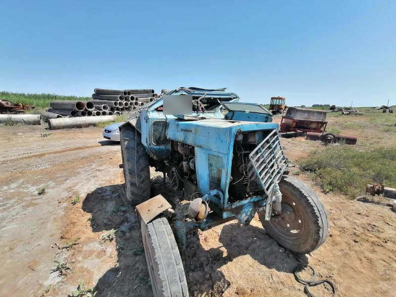 1 Под Астраханью трактор улетел в кювет
