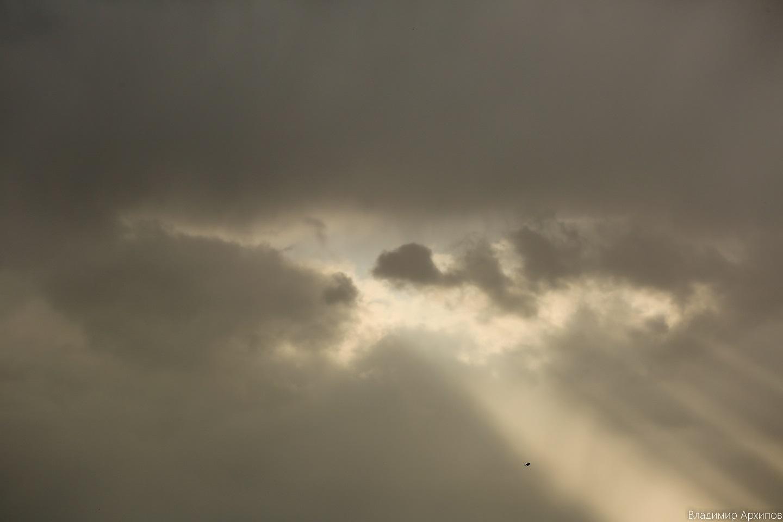 5W4A0008 1 Астраханское небо после дождя заворожило горожан (фоторепортаж)