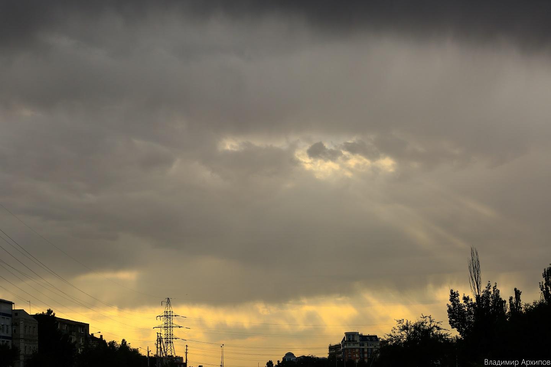 5W4A0015 4 Астраханское небо после дождя заворожило горожан (фоторепортаж)