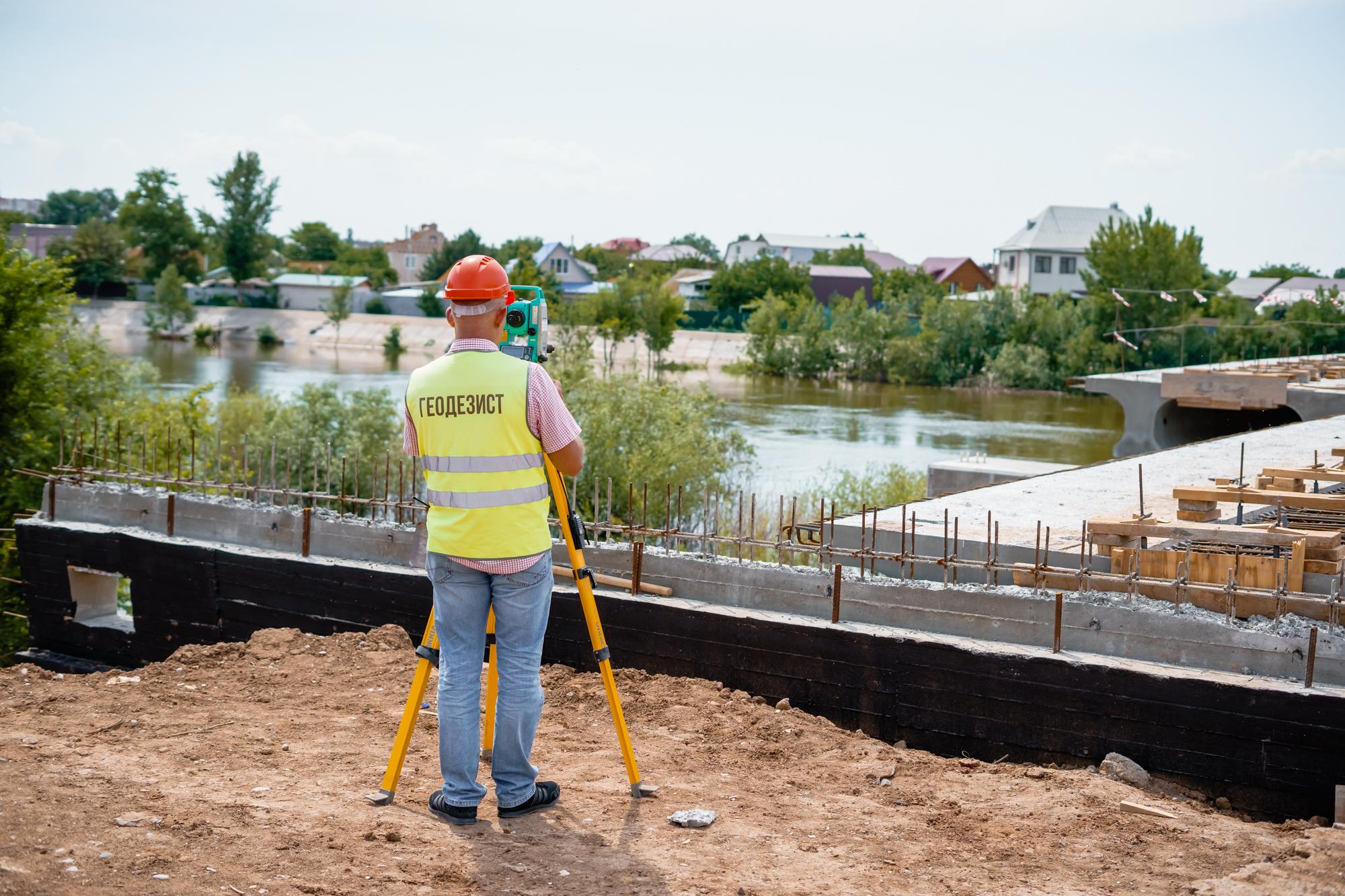 DSC05686 В Астрахани назвали новый срок «запуска» Милицейского моста