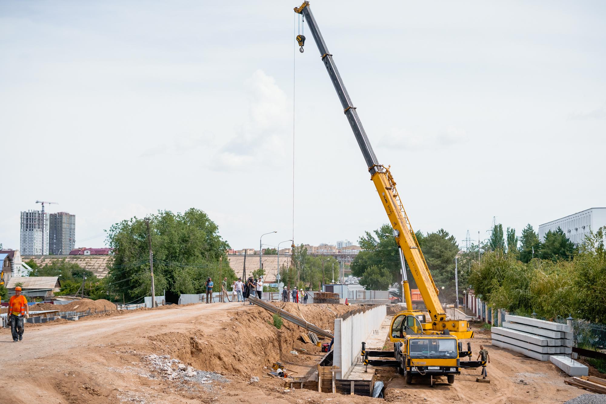 DSC05691 В Астрахани назвали новый срок «запуска» Милицейского моста