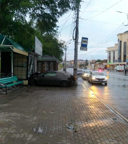 в Астрахани на улице Адмиралтейской 2 Любителя скоростной езды будут судить за страшную гибель астраханца