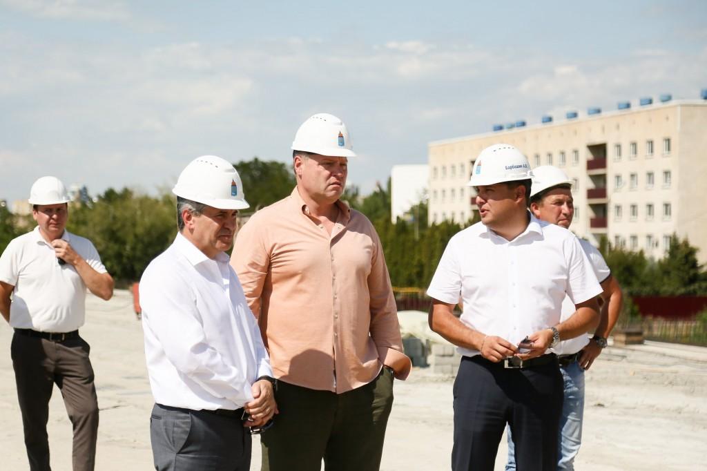 мост в Астархани 4 В Астрахани на Милицейском мосту установили последнюю балку