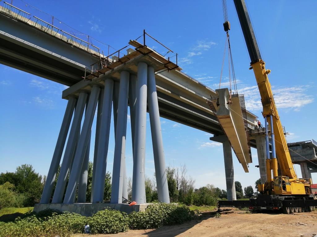 Ремонт моста через Белый Ильмень в Астраханской области.