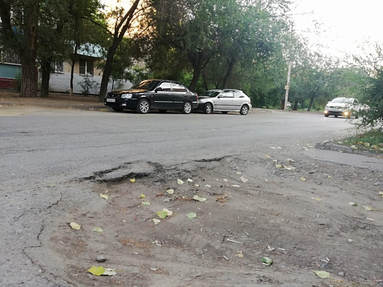 на ул. Ахшарумова в Астрахани 5 В Астрахани улица Ахшарумова может стать недоступной для автомобилистов