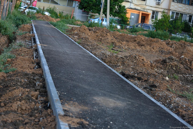 сквера на ул. Минусинской в Астрахани 10 Что происходит в Астрахани на месте пустыря на Минусинской