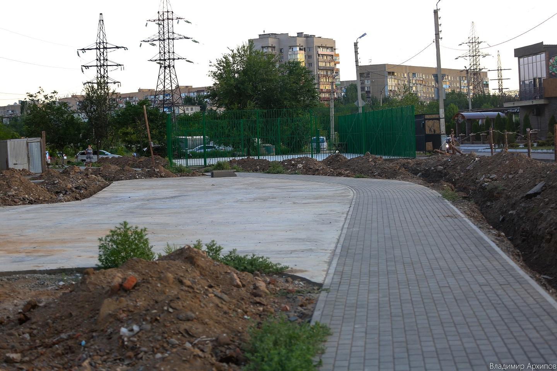 сквера на ул. Минусинской в Астрахани 6 Что происходит в Астрахани на месте пустыря на Минусинской