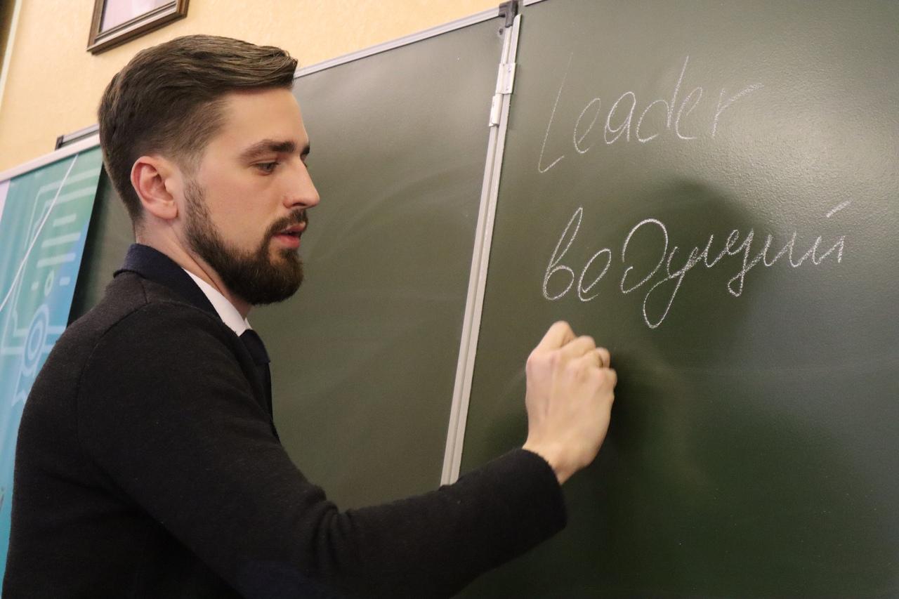 Егор Угаров возглавил астраханское образование