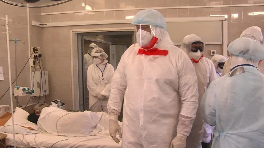 зона 2 Заместитель главы минздрава РФ осмотрел ковидный госпиталь в Астрахани