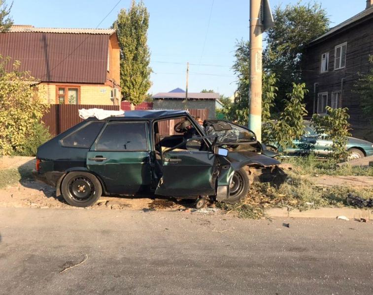 на лэп 3 В Астрахани погибла пассажирка влетевшей в опору ЛЭП «Лады» со спящим водителем