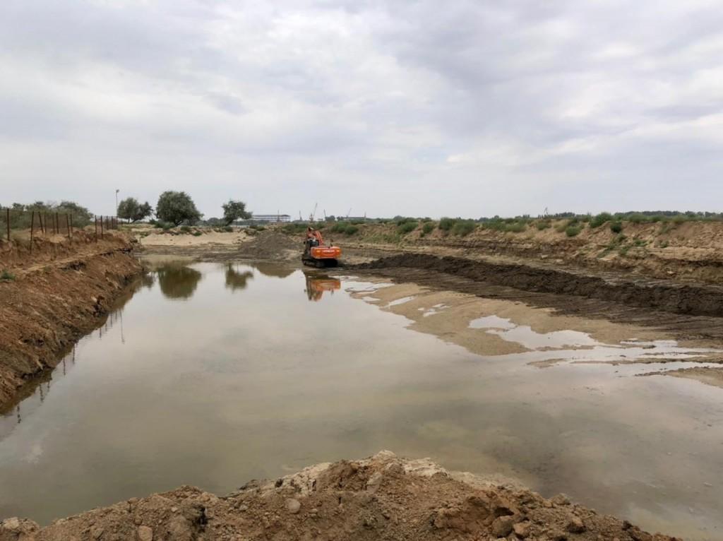 Соколовские нефтяные ямы под Астраханью