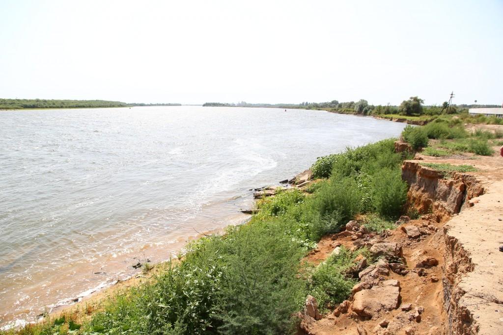 Обрушение берега в селе под Астраханью. с. Сергеевка Икрянинского района