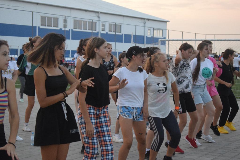2 Астраханские спортсмены объединились на Территории здорового образа жизни