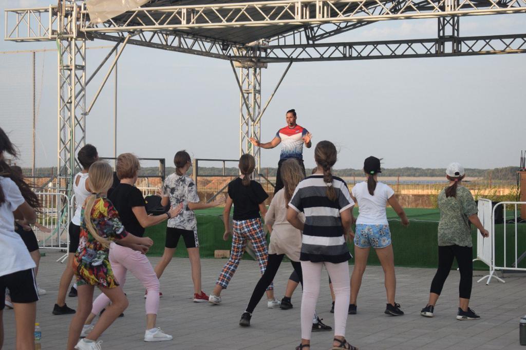 3 Астраханские спортсмены объединились на Территории здорового образа жизни