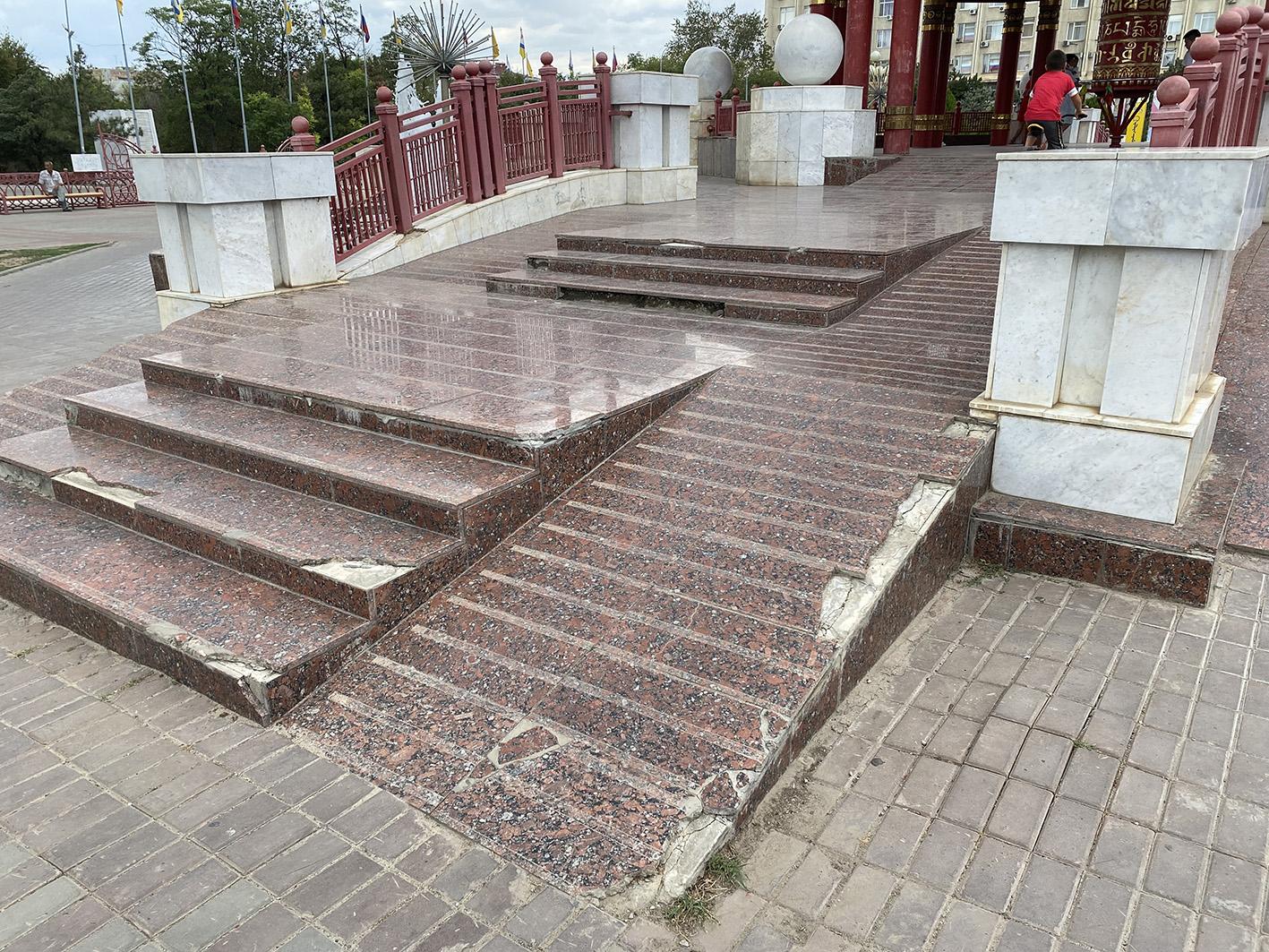IMG 2583 «Разруха и безнадёжность»: как сейчас в Калмыкии выглядит Пагода Семи Дней