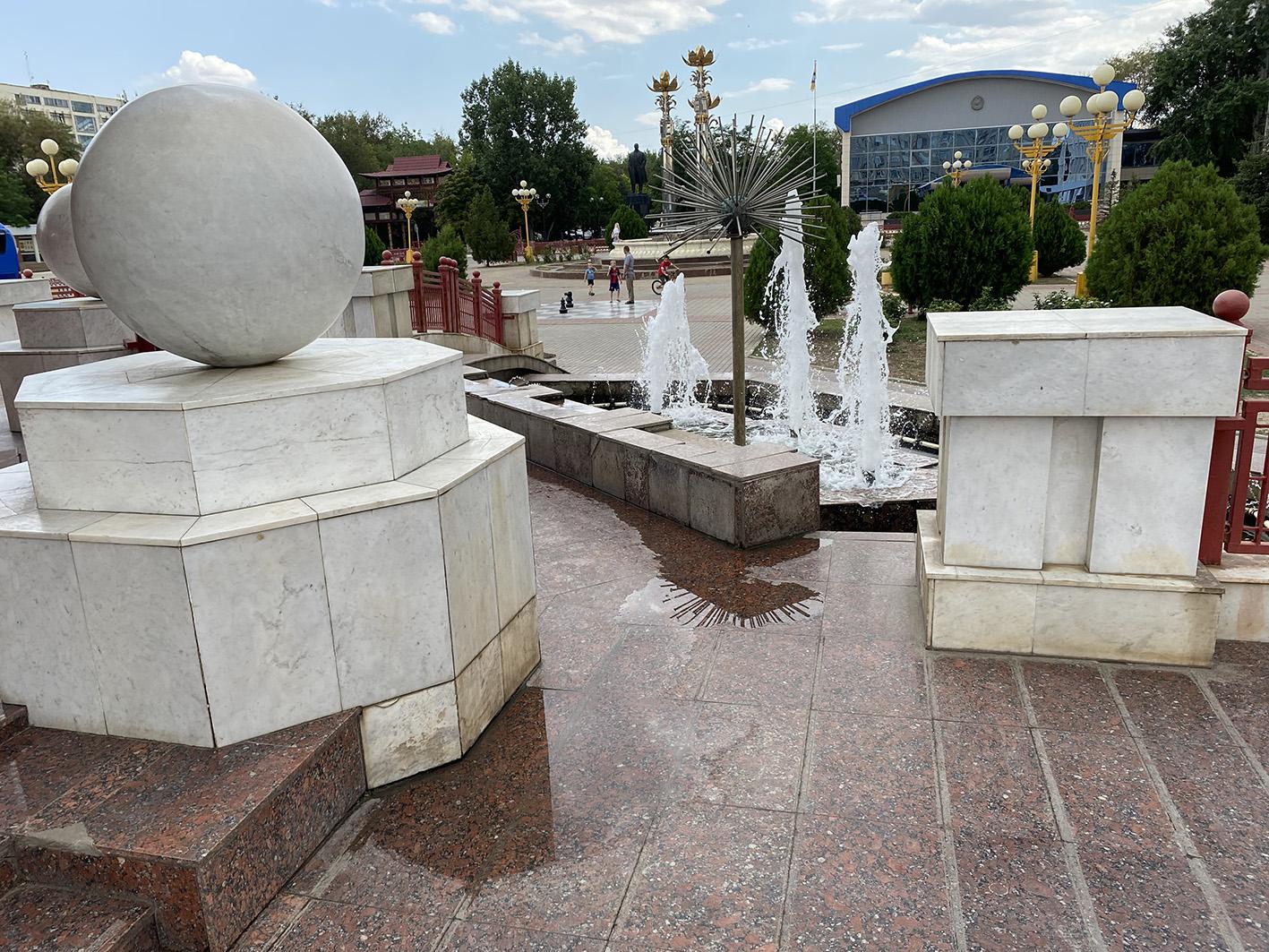 IMG 2593 «Разруха и безнадёжность»: как сейчас в Калмыкии выглядит Пагода Семи Дней