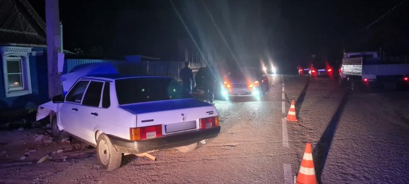 опора 1 Начинающий водитель оставил без света астраханское село