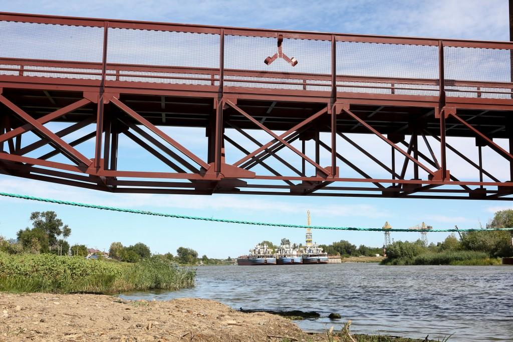 Мост через Серебряную Воложку в Астрахани