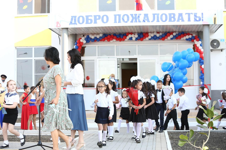 Новая школа в астраханском поселке Мирный