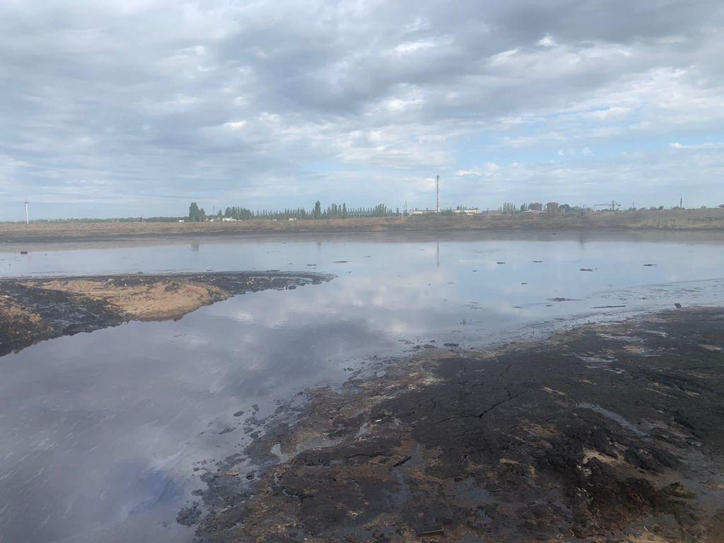 Ильинские нефтяные ямы в Астраханской области