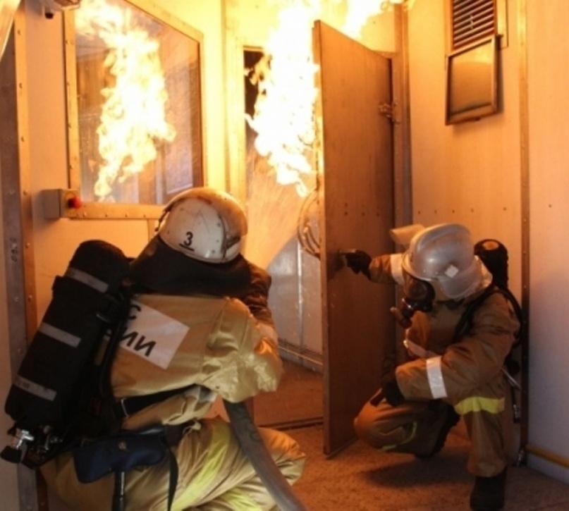 В Астрахани дети пострадали в пожаре