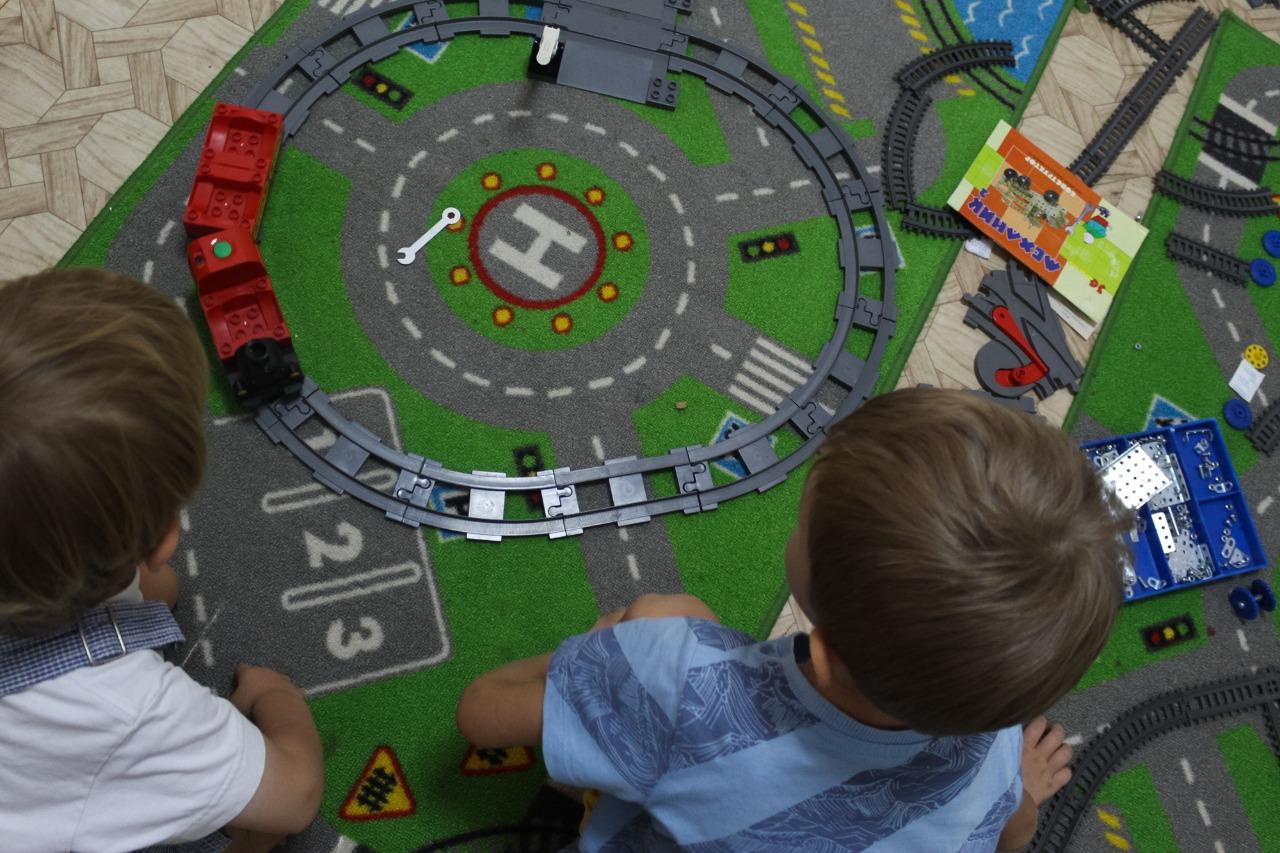 WhatsApp Image 2021 09 02 at 07.49.38 На мастер-классе по рисованию юным астраханцам рассказали о правилах безопасного поведения вблизи железной дороги